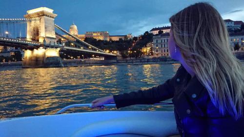 Éjszakai hajózás Budapest