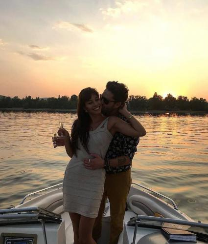 Király Viktor romantikus hajózás